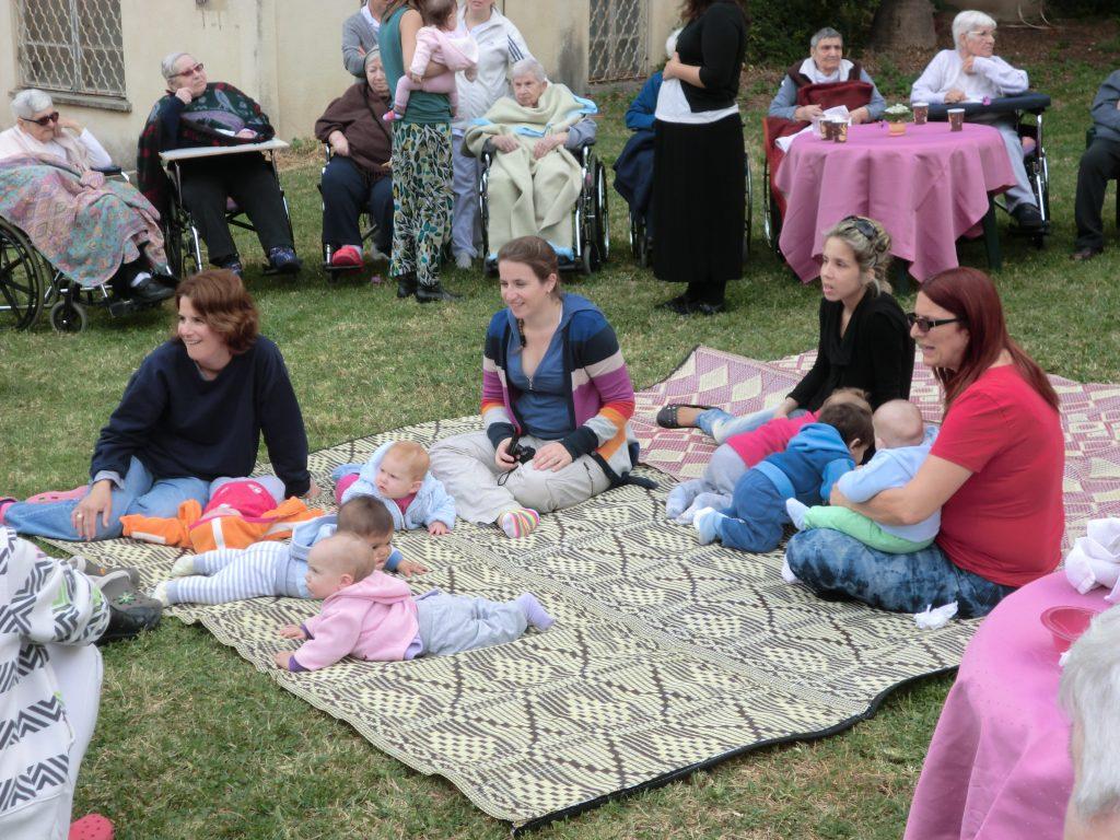 מעורבות קהילתית בבית אבות